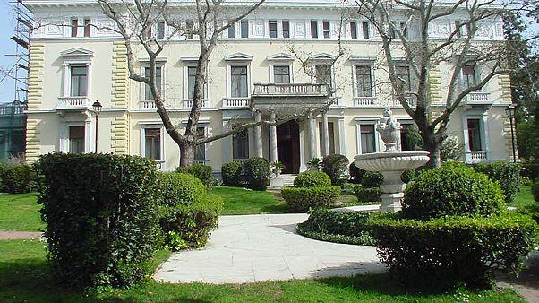 Αντιδράσεις για τις προτάσεις ΣΥΡΙΖΑ περί της συνταγματικής αναθεώρησης
