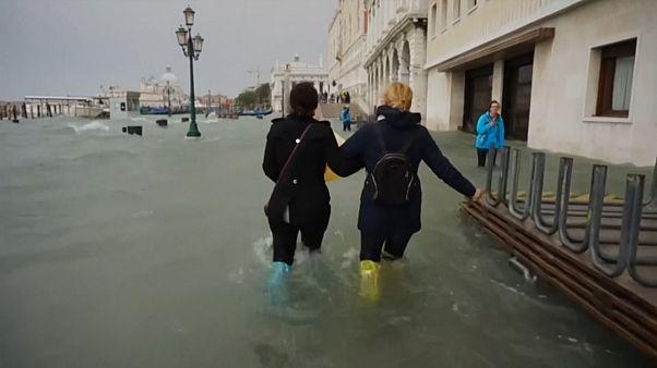 شاهد: مدينة البندقية الإيطالية تحت الماء