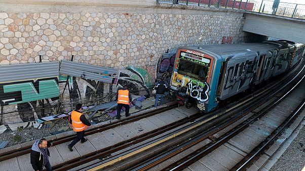 Νέες επιθέσεις σε λεωφορείο στη Συγγρού και σε συρμό του ΗΣΑΠ