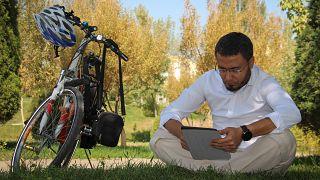 المدوّنون الأوزبك يختبرون جدية السلطة بشأن حرية التعبير في بلادهم