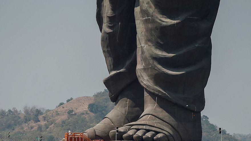 """L'immense """"Statue de l'Unité"""" divise l'Inde"""