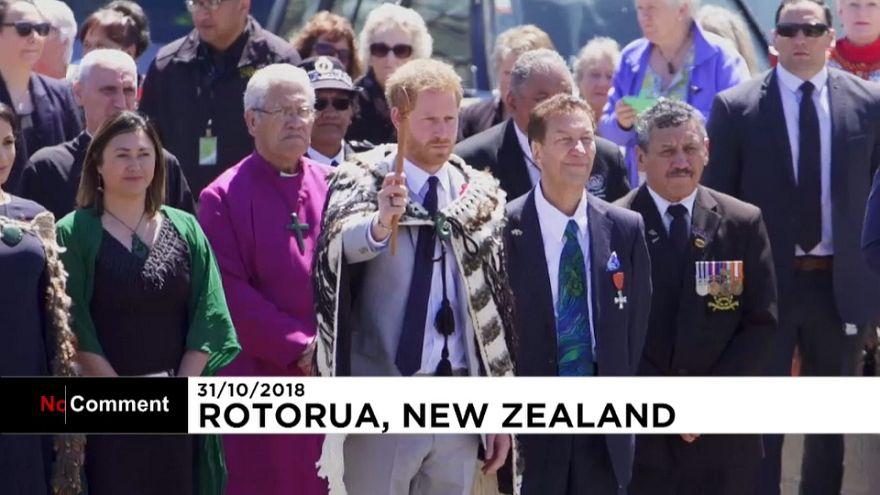 Hakával üdvözölték Harry herceget és Meghant Új-Zélandon