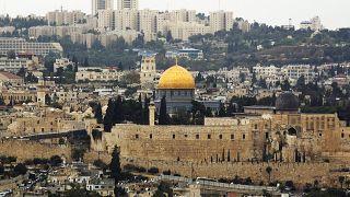 جولة إعادة في سباق لرئاسة بلدية القدس بين مرشح يهودي متدين وآخر علماني