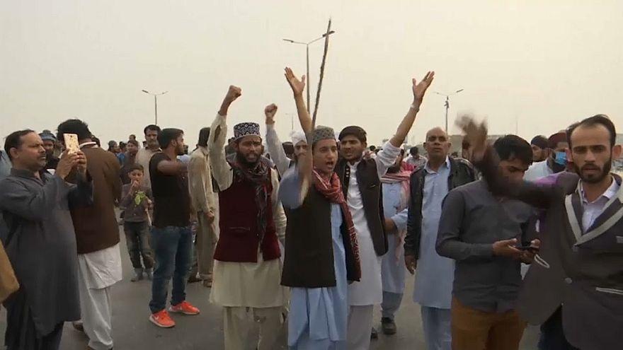 مظاهرات بعد إخلاء سبيل باكستانية مسيحية حُكم عليها بالإعدام لازدراء الإسلام
