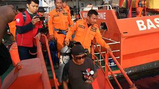 Absturz vor Indonesien: Offenbar Flugschreiber geortet