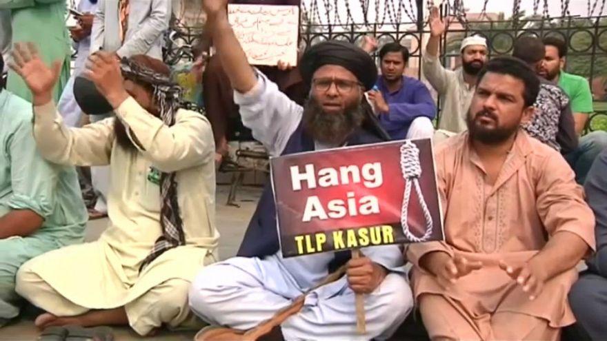 تظاهرات گسترده اسلامگرایان در پاکستان؛ «آسیه بیبی را دار بزنید»