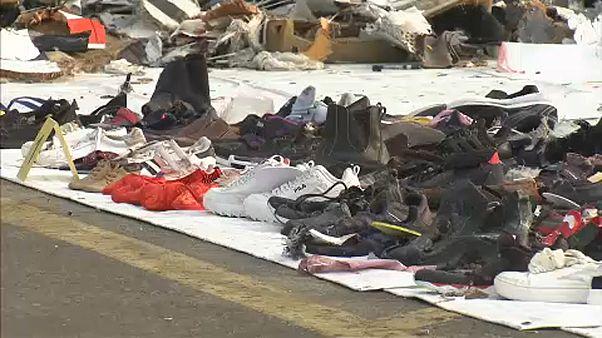 Recuperan una caja negra del avión siniestrado en Indonesia