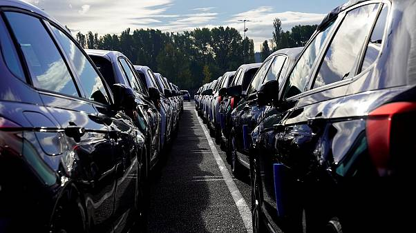 Miles de consumidores alemanes demandan a Volkswagen