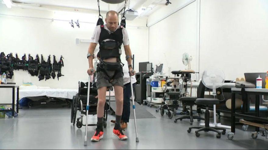 بیماران قطع نخاعی برای نخستین بار توانستند راه بروند