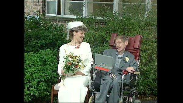 Stephen Hawking'in kişisel eşyaları açık artırma ile satışa sunuluyor