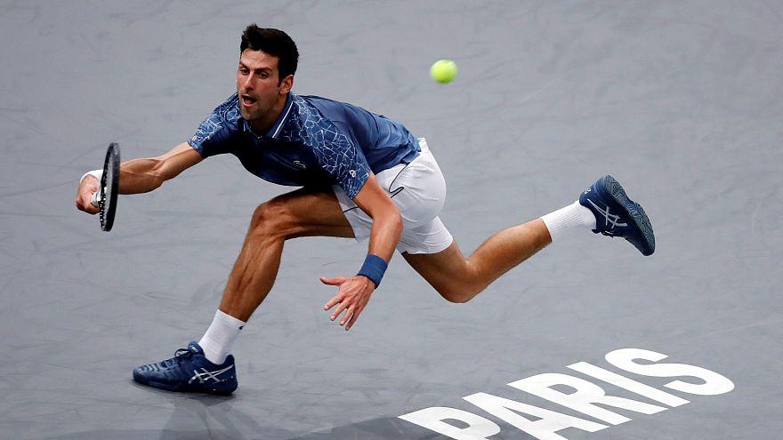 Tennis, Parigi-Bercy: record per Djokovic, Fognini eliminato
