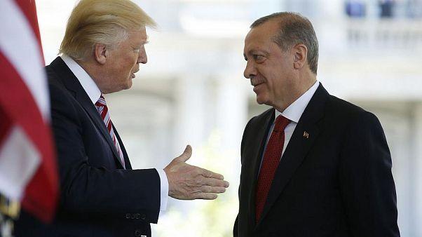 Erdoğan ve Trump telefonda İdlib ve Menbiç'i görüştü