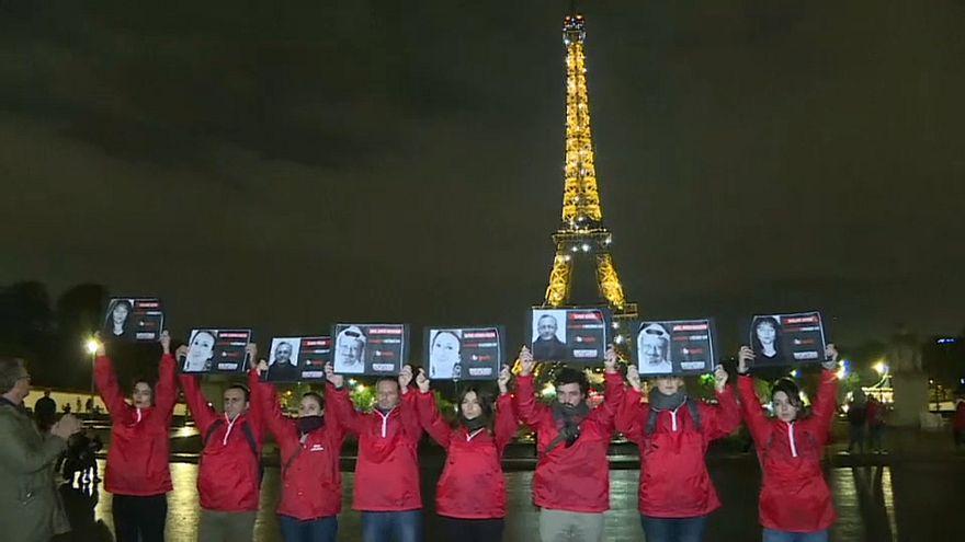 Акция в поддержку журналистов в Париже