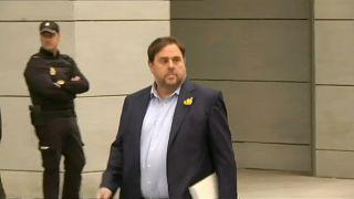 İspanya'da Katalan lider isyandan 25 yılla yargılanacak