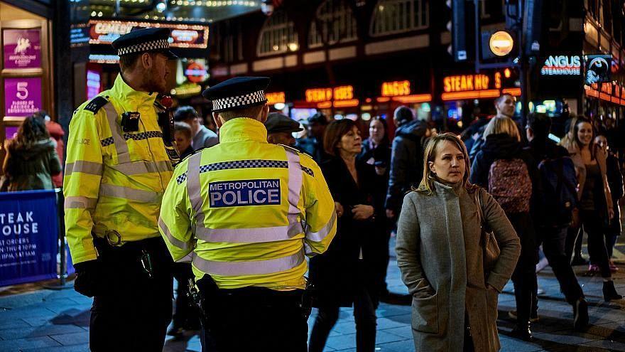 إصابة شخصين بطعنات في لندن والشرطة البريطانية تعتقل شخصاً