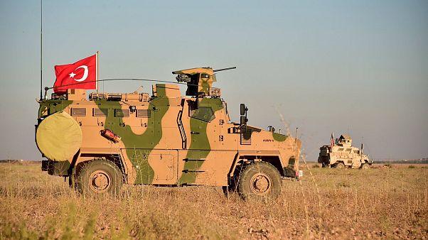 دوريات عسكرية تركية أمريكية مشتركة حول مدينة منبج شمالي سوريا