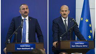 Adalet Bakanı Abdülhamit Gül(solda) İçişleri Bakanı Süleyman Soylu(sağda)