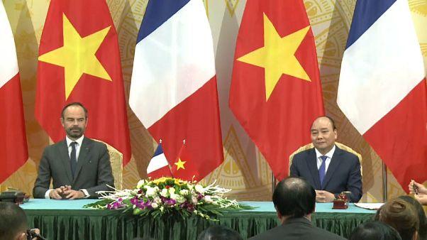Fransa, Vietnam'a 5,7 milyar euro değerinde 50 Airbus uçağı satacak
