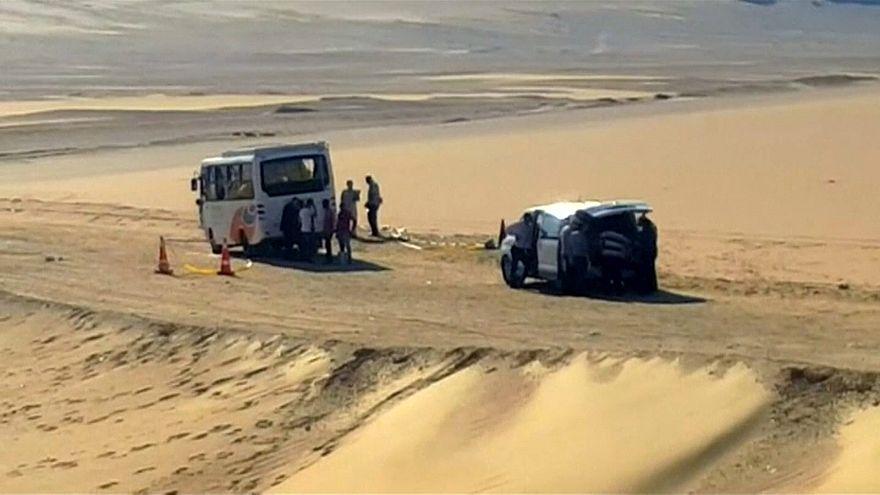 شاهد: لقطات للحافلة التي استهدفها داعش في المنيا بمصر