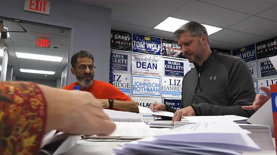 صورة من مقر انتخابي لمرشحين ديمقراطيين بالانتخابات النصفية
