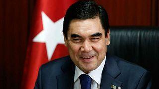 VİDEO | Türkmenistan Devlet Başkanı kabine toplantısında altın halter kaldırdı