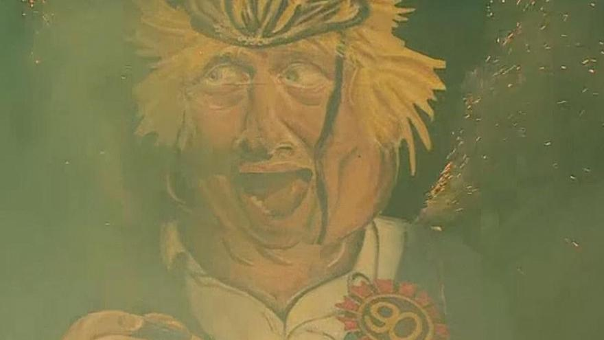 Boris Johnson effigy going up in flames