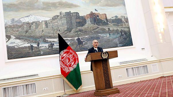 Afganistan hükümeti Moskova'da Taliban ile barış için masaya oturacak