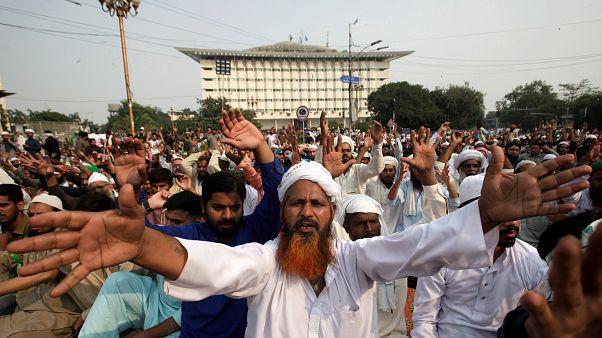 Pakistan'da İslam'a hakaret davasında taraflar anlaştı, gösterileri bitti