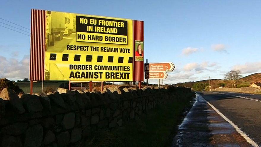 Плакат с лозунгами против восстановления границы в Северной Ирландии