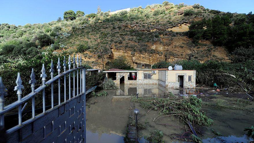 İtalya'nın Sicilya Adası'nda sel felaketi: 12 ölü