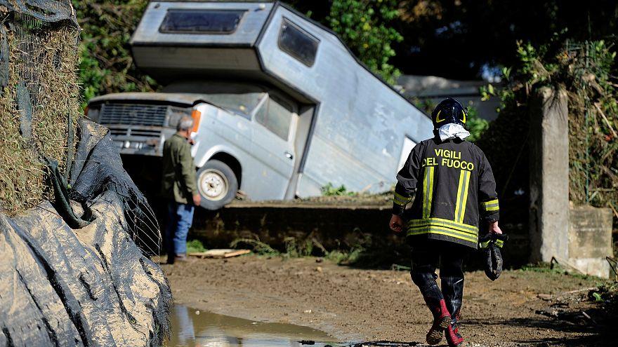 Inundações na Sicília matam pelo menos 12 pessoas