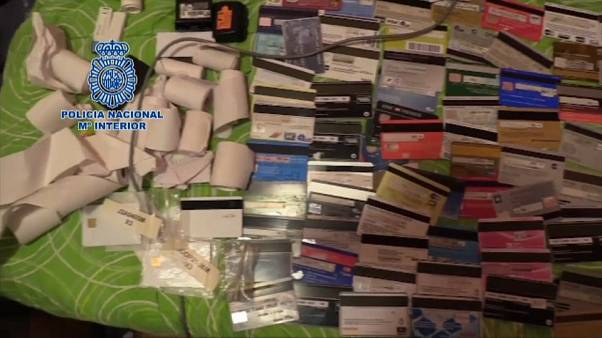 Spanish police arrest gang accused of credit card cloning