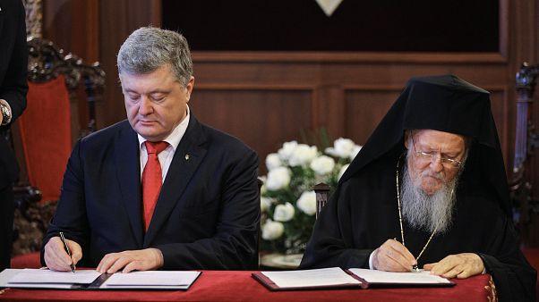 Υπογραφή μνημονίου συνεργασίας Ποροσένκο-Βαρθολομαίου