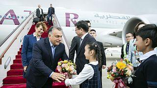 Orbán megérkezett Kínába