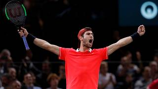 Karen Khachanov vence Djokovic na final do Masters 1000 de Paris