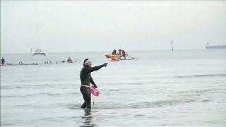 Record : il a fait le tour de la Grande-Bretagne à la nage