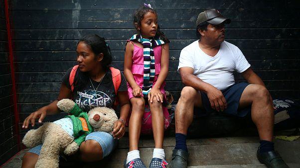 La caravana migratoria se reagrupa en Puebla para ir a Ciudad de México