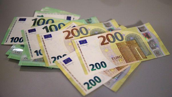 Συνεδριάζει το Eurogroup - Στο περιθώριό του οι περικοπές στις συντάξεις