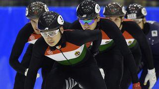Világcsúccsal nyert a magyar gyorskorcsolya-váltó Calgaryban