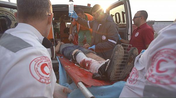 Медики сектора Газа не справляются с потоком раненых