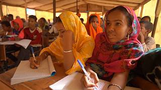 Детям малийских беженцев необходимо образование