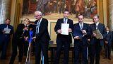 1. Schwarz-orange Regierung in Bayern steht - Koalitionsvertrag unterzeichnet