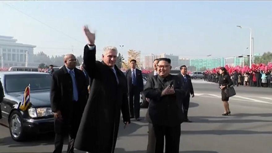 Le président cubain accueilli par Kim Jong Un à Pyongyang