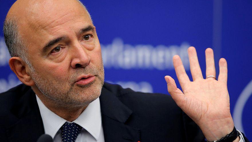 الاتحاد الأوروبي يعارض إعادة فرض العقوبات الأمريكية على إيران