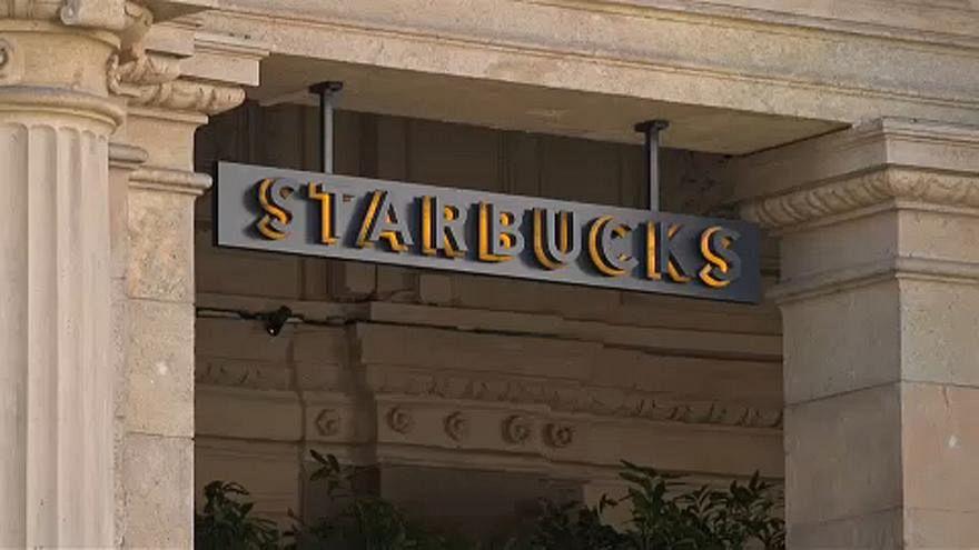 Primo mega-store di Starbucks a Milano