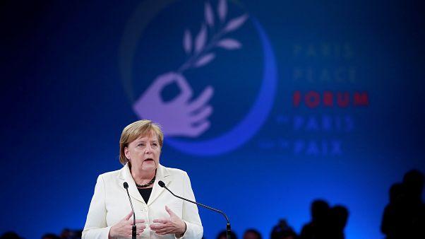 Angela Merkel diz que projeto de paz europeia está em risco