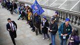 Menschenkette gegen die Brexit-Angst