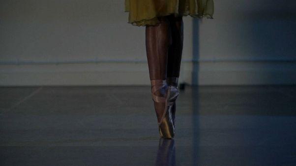 """Acabou o """"racismo"""" dos sapatos de ballet"""