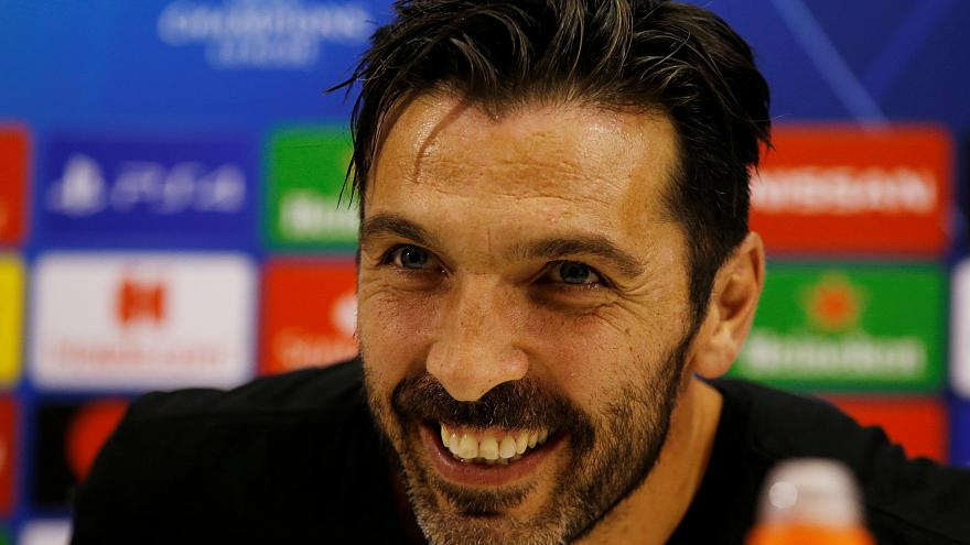 Champions League, che notte: Napoli-Psg e Inter-Barcellona