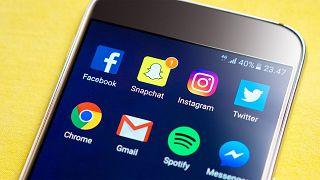 ABD'deki kritik seçim öncesi Facebook 115 'şüpheli' hesap kapattı